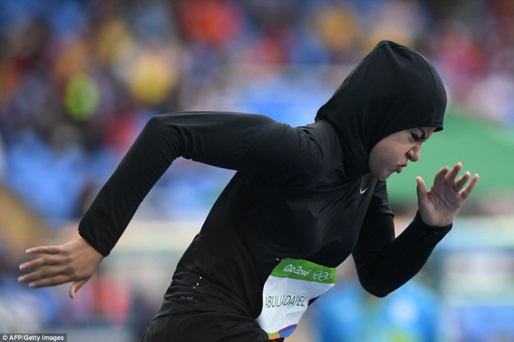 1471031032_261_Rio-206-sprinter-Kariman-Abuljadayel-is-first-Saudi-woman-to-compete-in-100m.jpg
